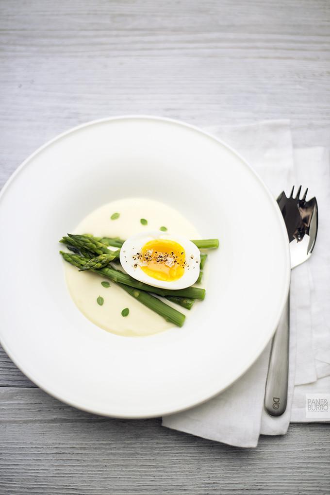zuppa tiepida di parmigiano asparagi uovo
