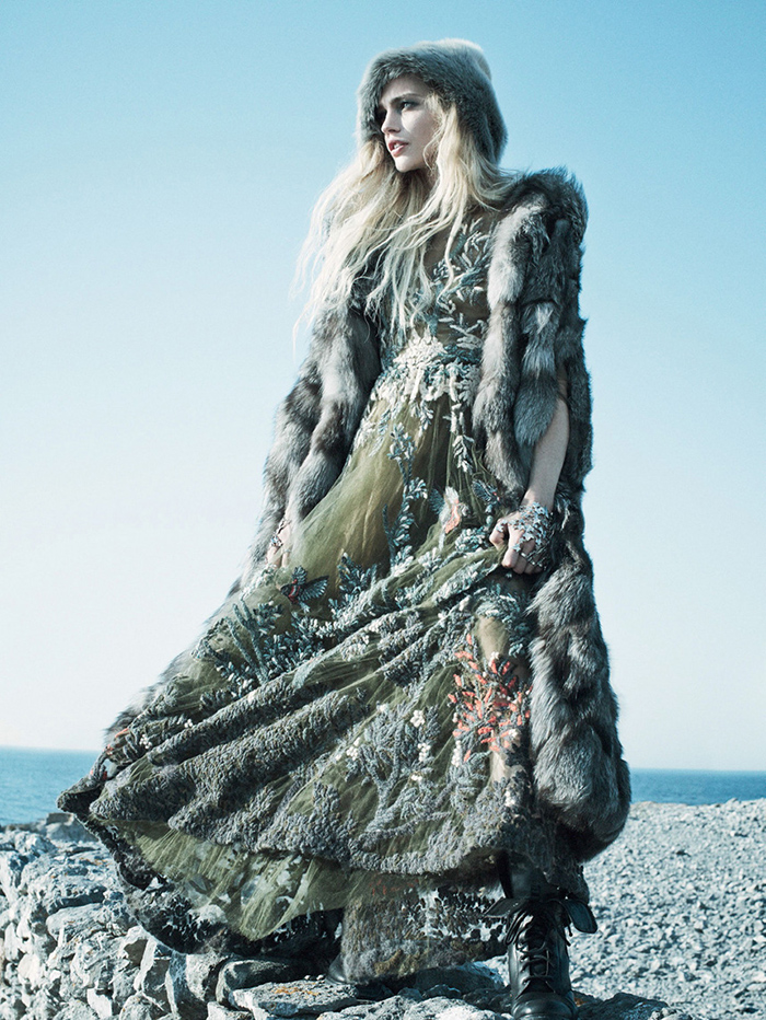 sasha-pivovarova-by-miakel-jansson-for-vogue-us-september-2014-8
