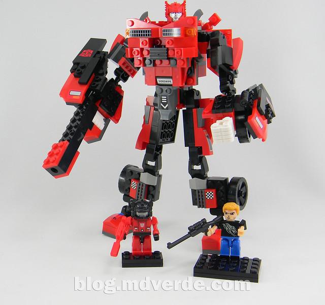Transformers Sideswipe Kre-O - modo robot con Kreons