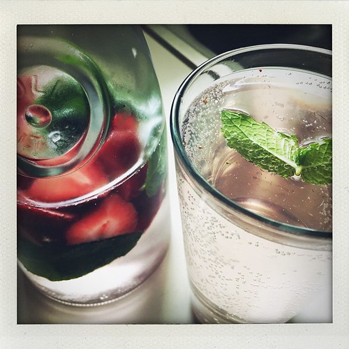 strawberry mint infused sparkling water