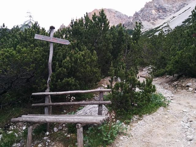 Markierung Nr. 7 zur Lavarella Hütte