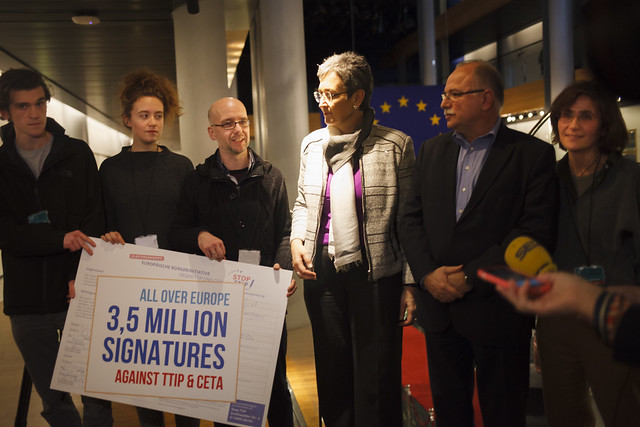 Stop CETA signatures handover to the European Parliament