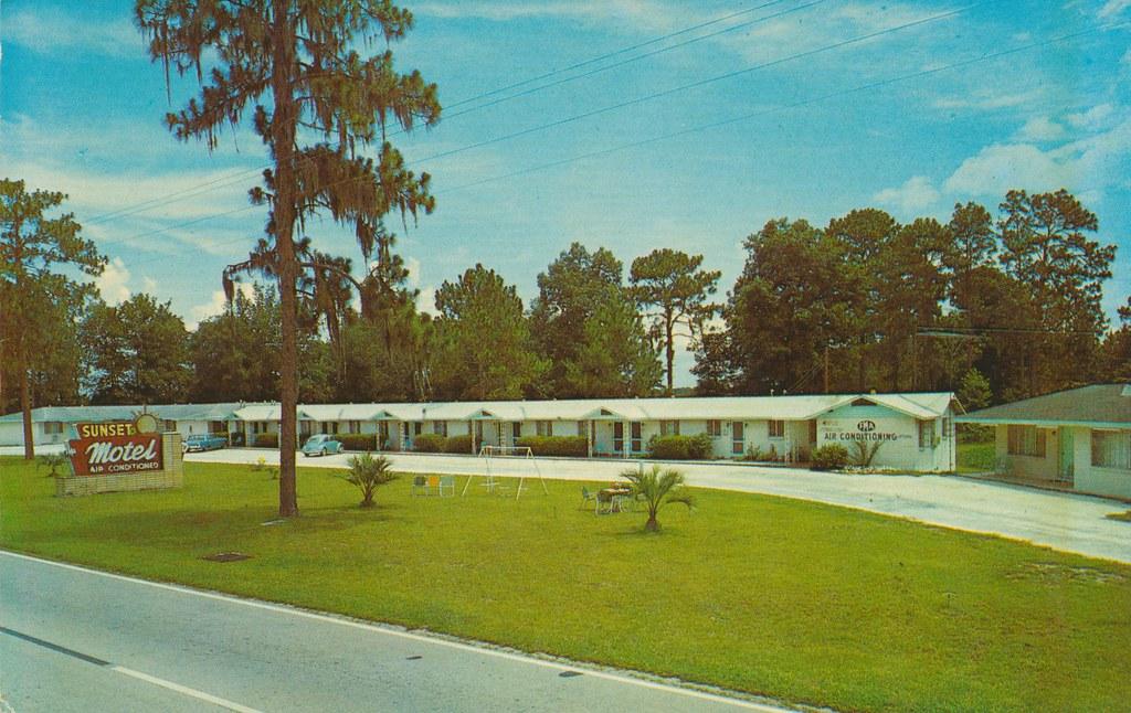 Sunset Motel - High Springs, Florida