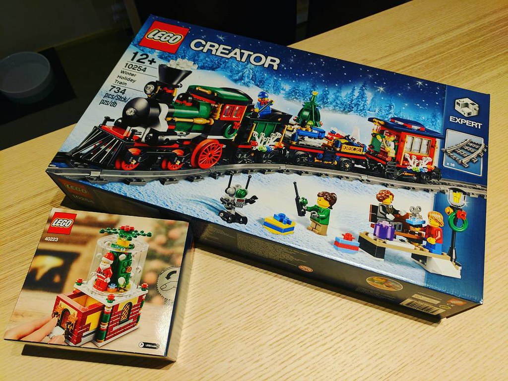 Just in time for Christmas! #lego #christmas #train #afol … | Flickr