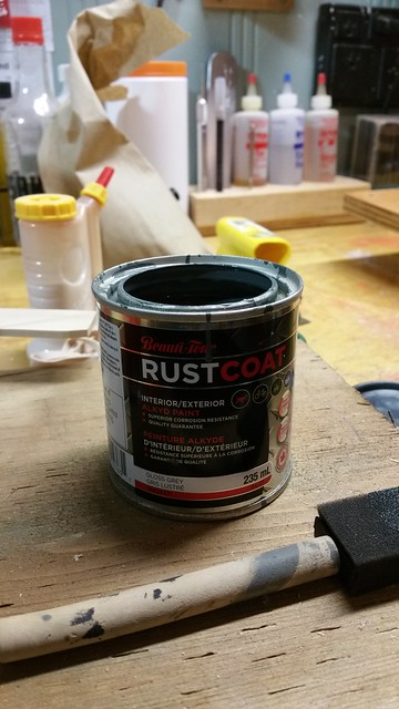 Grey rust coat for test stand