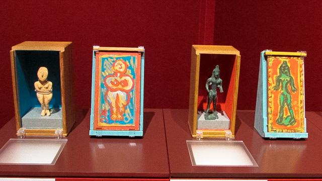 外箱蓋に油彩を施したキュクラデス彫刻
