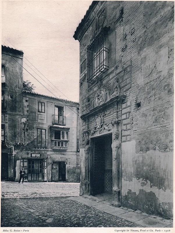 Colegio de Infantes y Plaza de la Bellota. Del libro Petits Édifices, publicado en Paris en 1928 por los editores Vincent, Fréal et Cie.