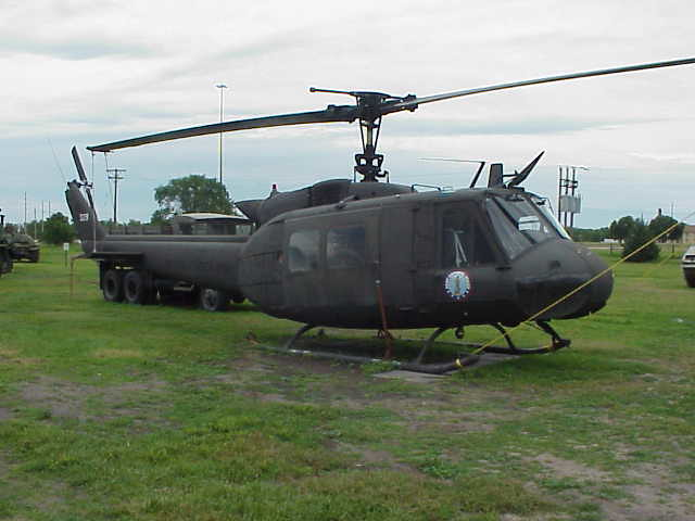 hueys helicopter with 5436632 on Ah 1w Super Cobra likewise Vietnam Air Force Helicopter Crashes In Hcmc Crew Dead 38125 in addition H AH 1 Cobra Helicopters as well 85 5536 besides Showthread.