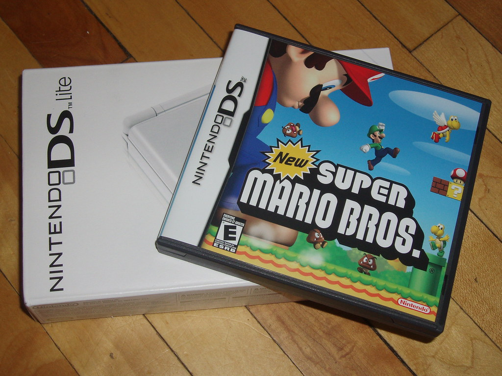 nintendo ds lite had to get the new super mario bros game brian mckechnie flickr. Black Bedroom Furniture Sets. Home Design Ideas