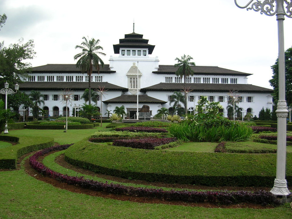 gedung sate by rendy maulana
