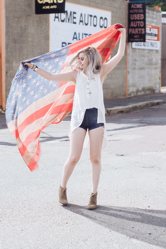Free People Fourth of July Outfit on juliettelaura.blogspot.com