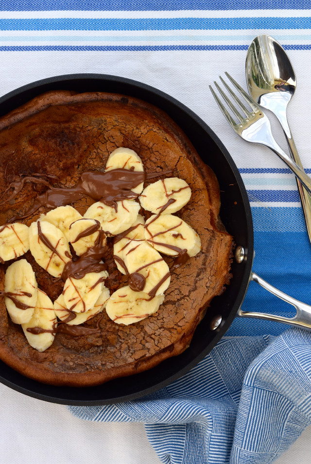 Banana and Chocolate Dutch Baby Pancake | www.rachelphipps.com @rachelphipps