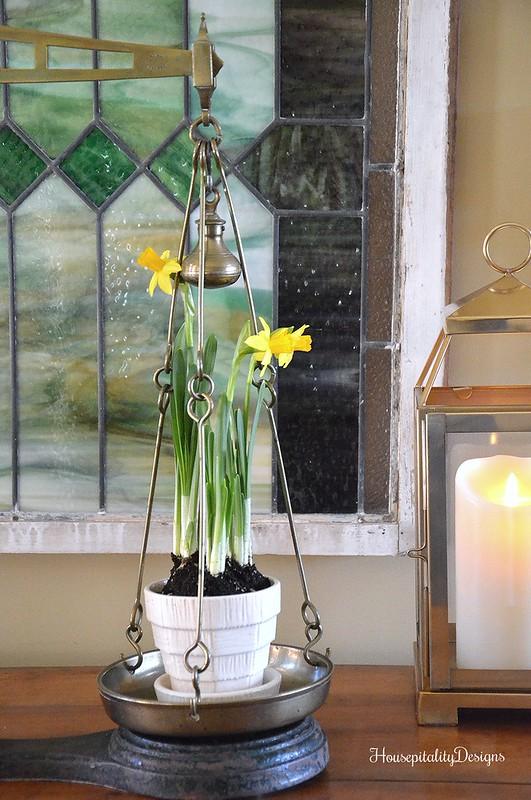 Antique Scale-Mini Daffodils-Housepitality Designs