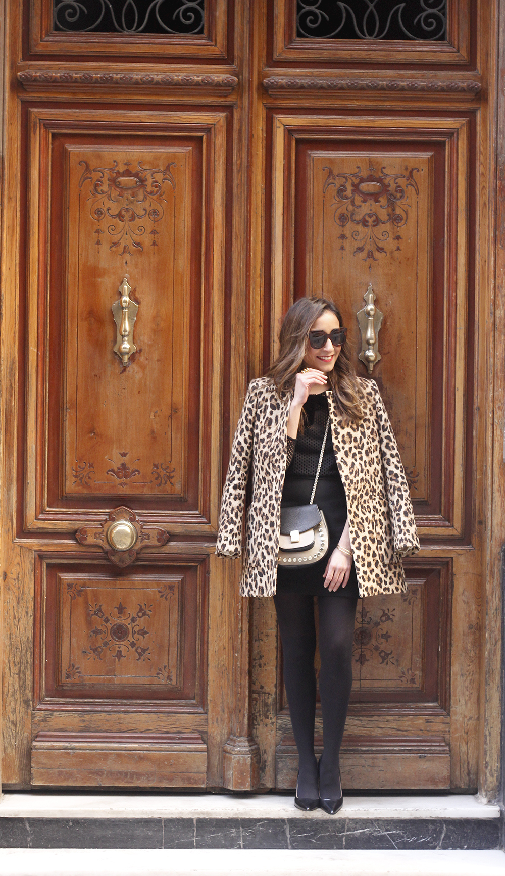 total black outfit leopard coat maje shirt pencil skirt heels uterqüe bag céline sunglasses fashion style02