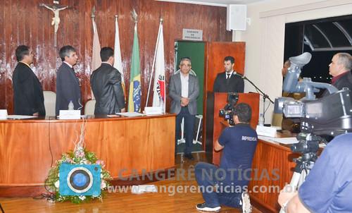 Prefeito, vice e vereadores tomam posse em Campos Gerais-MG