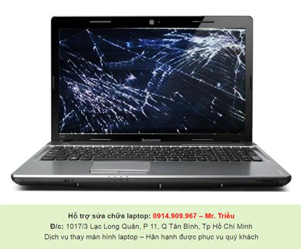 Kỹ thuật viên trong nghề đưa lời nhắc nhở đến người dùng khi cần thay màn hình laptop ở tại TP.HCM