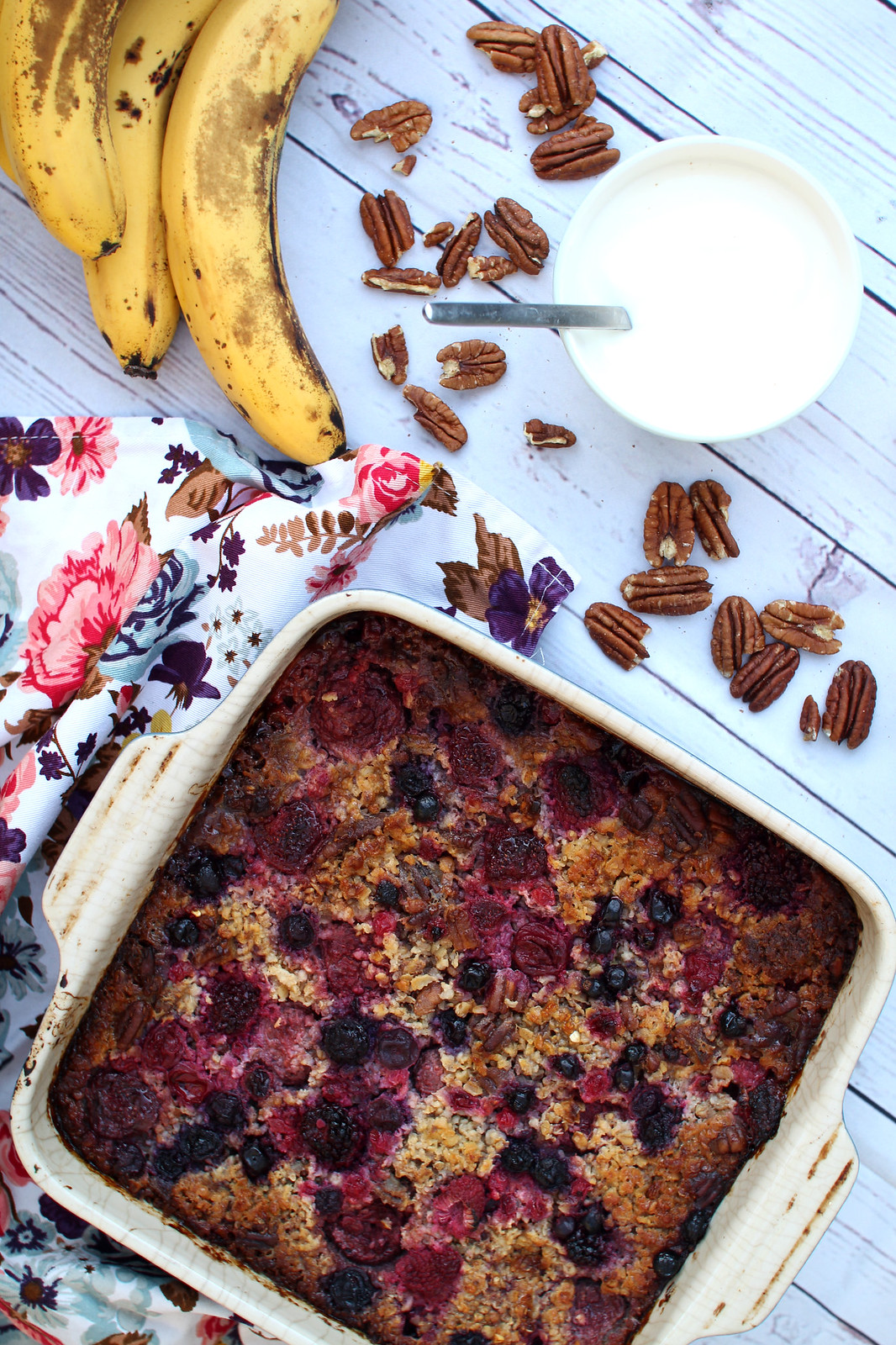 Healthy gluten free baked oatmeal pecan berry recipe lifestyle blogger uk