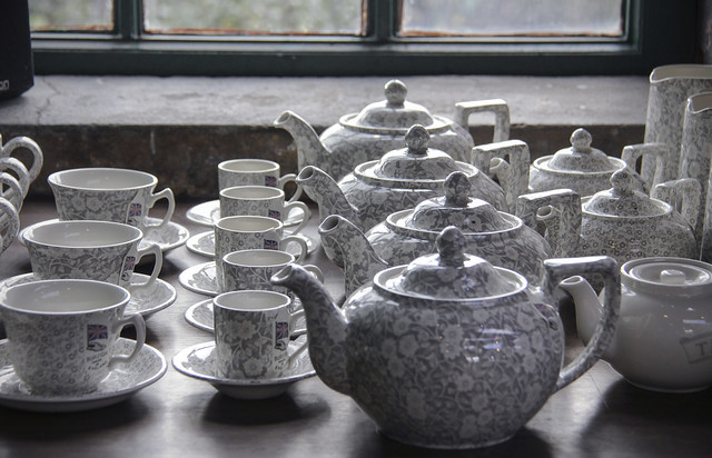 Burleigh shop - Middleport Pottery