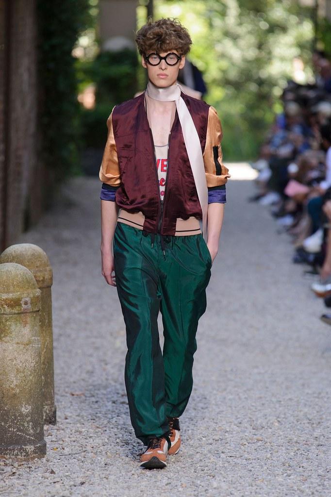 SS16 Milan Andrea Pompilio029_Josef Utekal(fashionising.com)