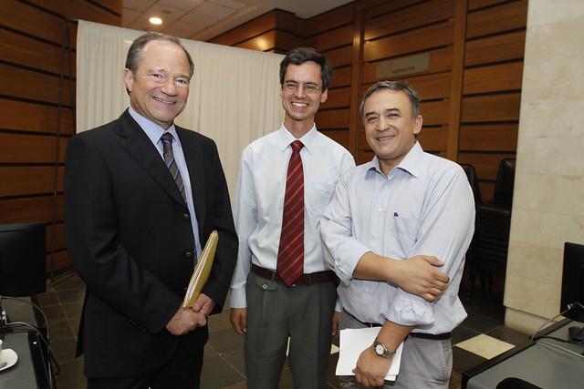 Claustro Académico abordó los desafíos actuales de la institución universitaria