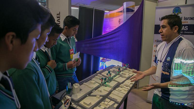 Inauguración Feria YQUESIGO CAMP 2017