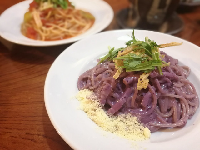 Along the way we went to this Italian Japanese Cafe Doppo and tried their delicious yam spaghetti ...