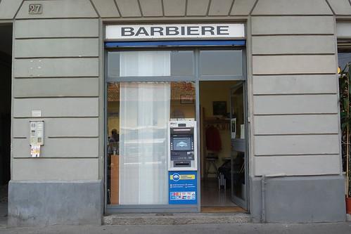 Anche barbiere, anche bancomat!!
