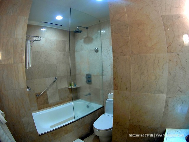 Marco Polo Davao Bathroom