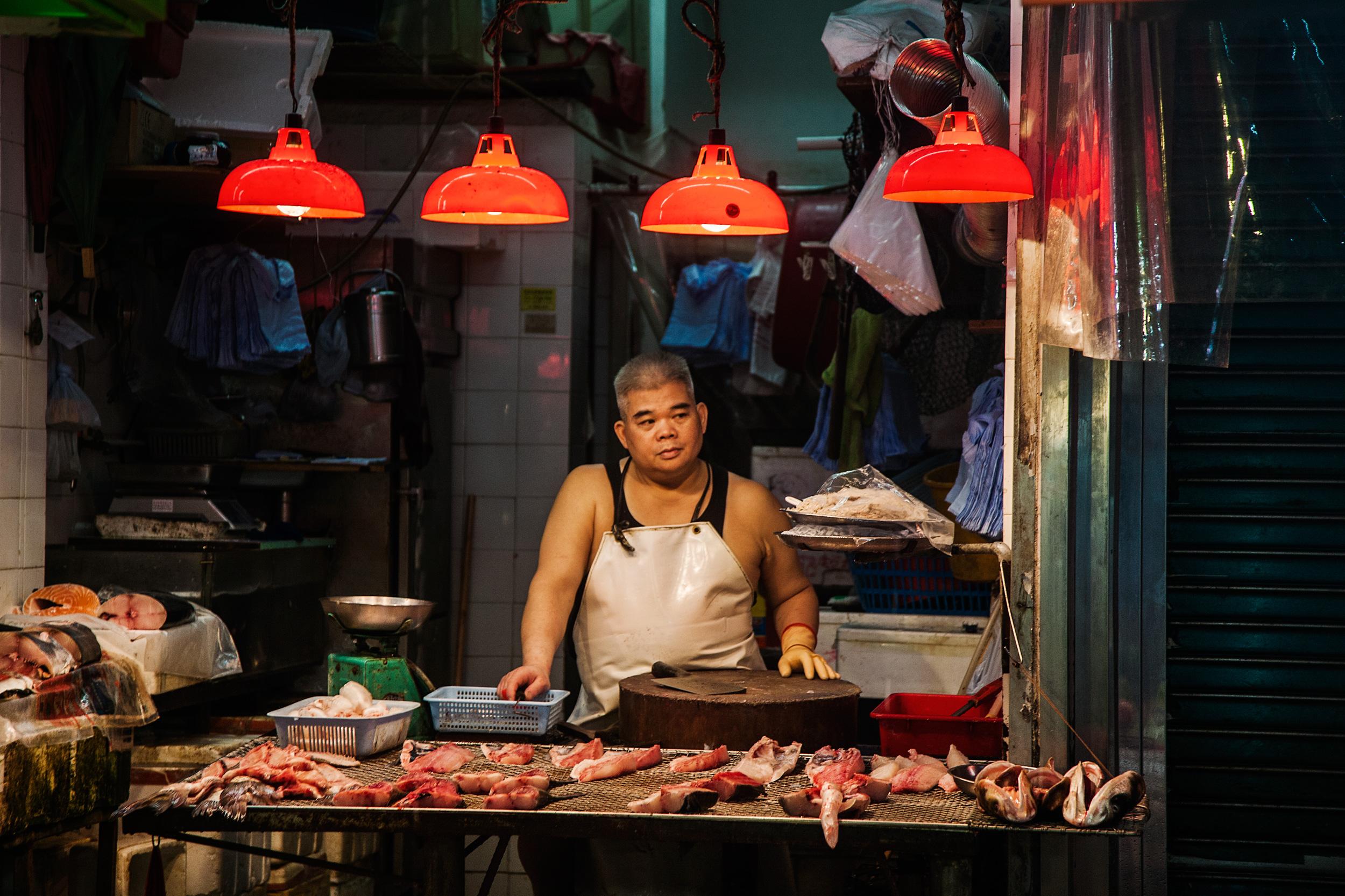mong kok fish monger