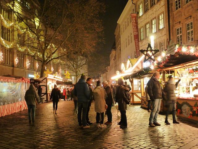 Casetas navideñas en una calle de Bamberg (Franconia, Alemania)