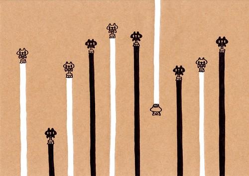 クラフト紙28_交互に並んでペンキを塗る黒プレーンと白プレーン