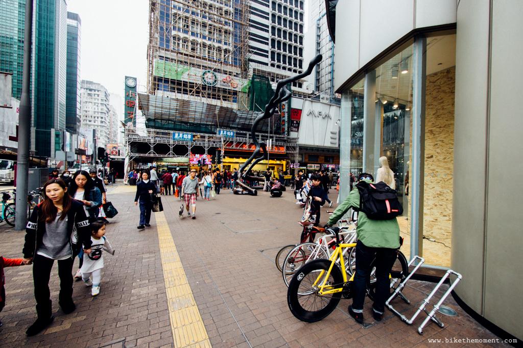 無標題  《假如讓我泊下去2 九龍中西篇》﹣香港市區單車位的幻想影集 18694399821 8d4c86216c o