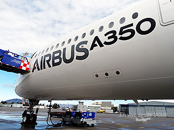 A350-900 MSN5 SCL front (RD)
