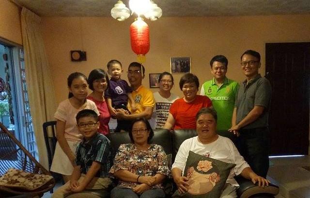 Ex-Chung Hua students