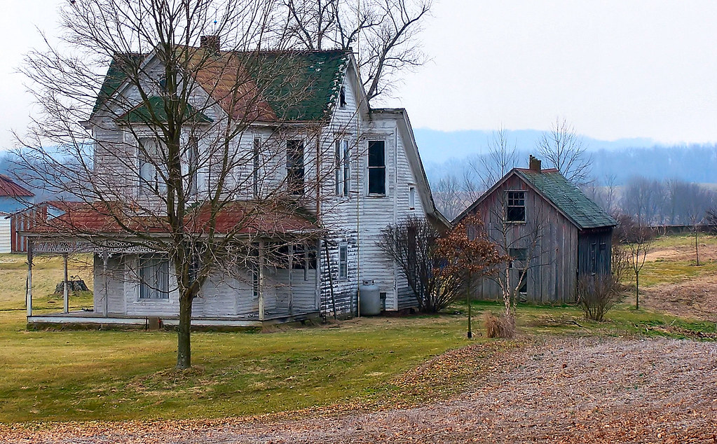 Abandoned Farmhouse | A beautiful old house that could use ...