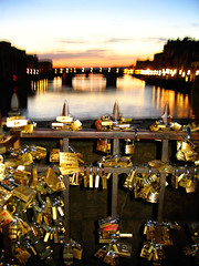 sunset from ponte vecchio and locks of lovers | by phitar
