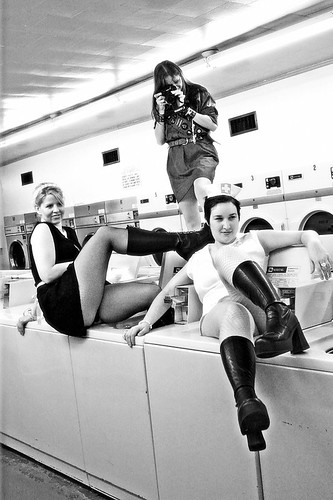 laundry ladies, lounging | by JJParé
