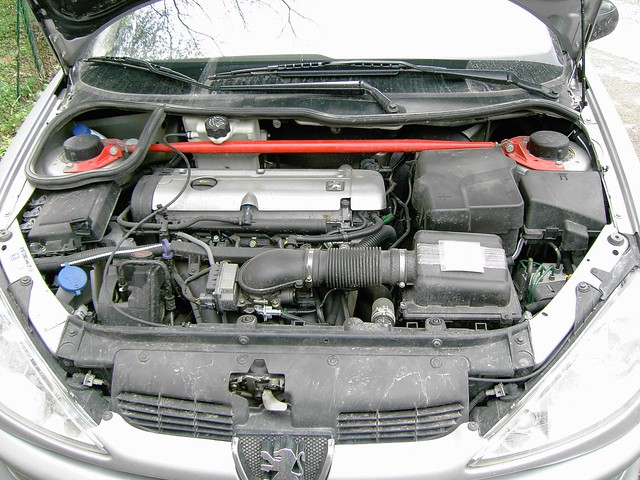 Peugeot 206 Gti Engine Bay With Sparco And K Amp N Filter Flickr