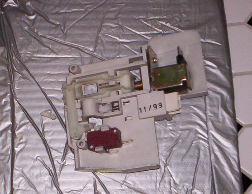 Door Latch Assembly (superceded) for a Frigidaire / Kenmore Front Loading Washer | by Zenzoidman
