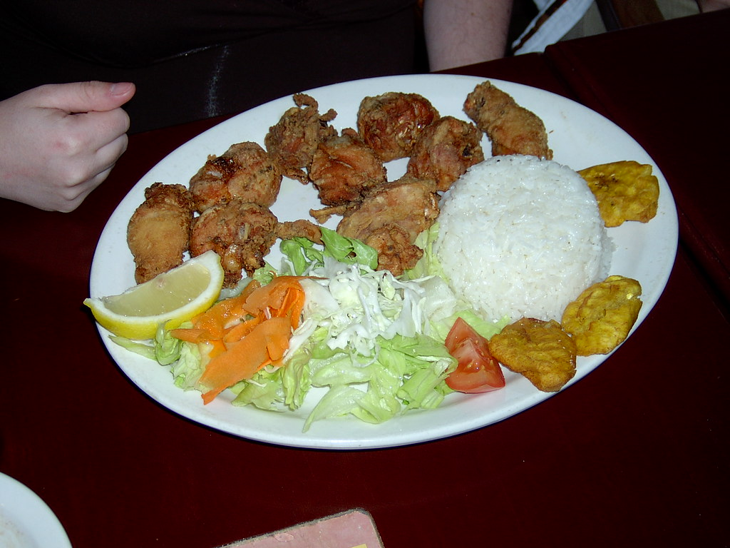 Chicharron de Pollo (Fried Chicken) | The next few pics ...