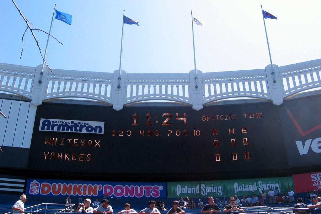 Nyc Bronx Yankee Stadium Scoreboard And Frieze Flickr