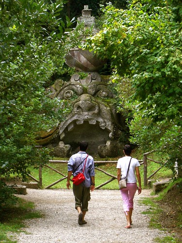how to get to bomarzo from rome