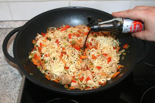 54 - Mit Sojasauce abschmecken / Taste with soy sauce