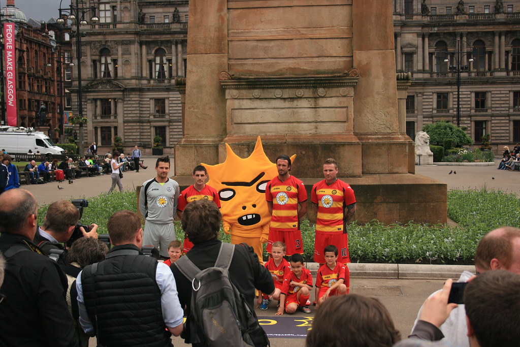 Partick Thistle's Mascot in George Square (9)