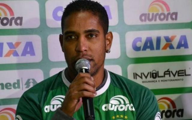 Por base mantida, Cleber Santana acredita que Chape sai na frente dos rivais no Catarinense