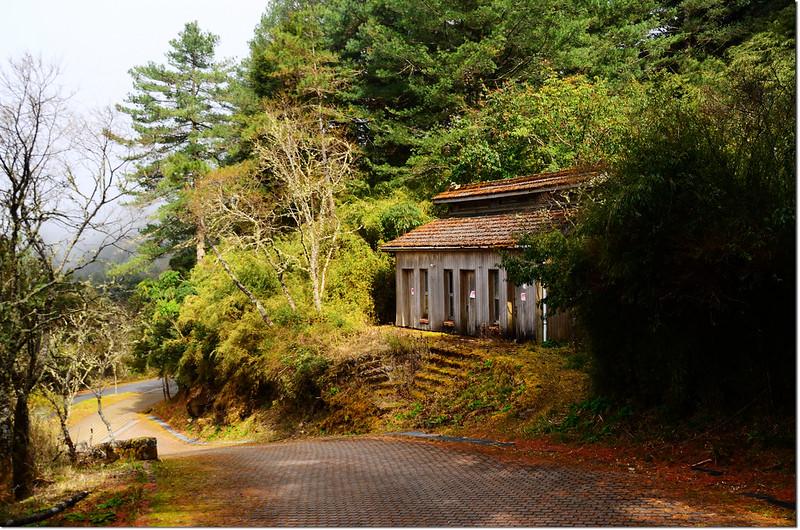 鹿林山莊上方舊公廁(停用)