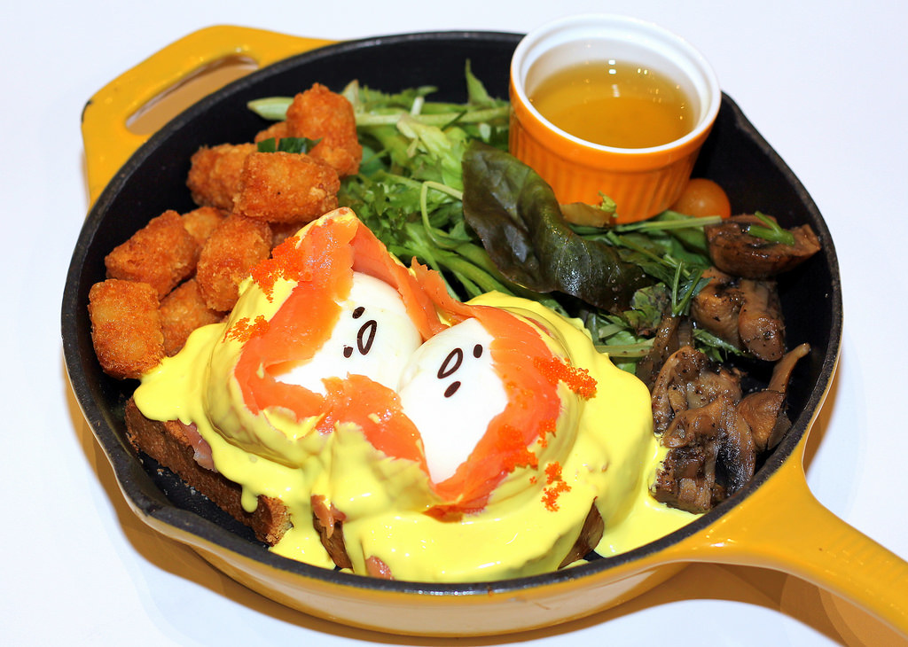 gudetama-cafe-eggs-benedict