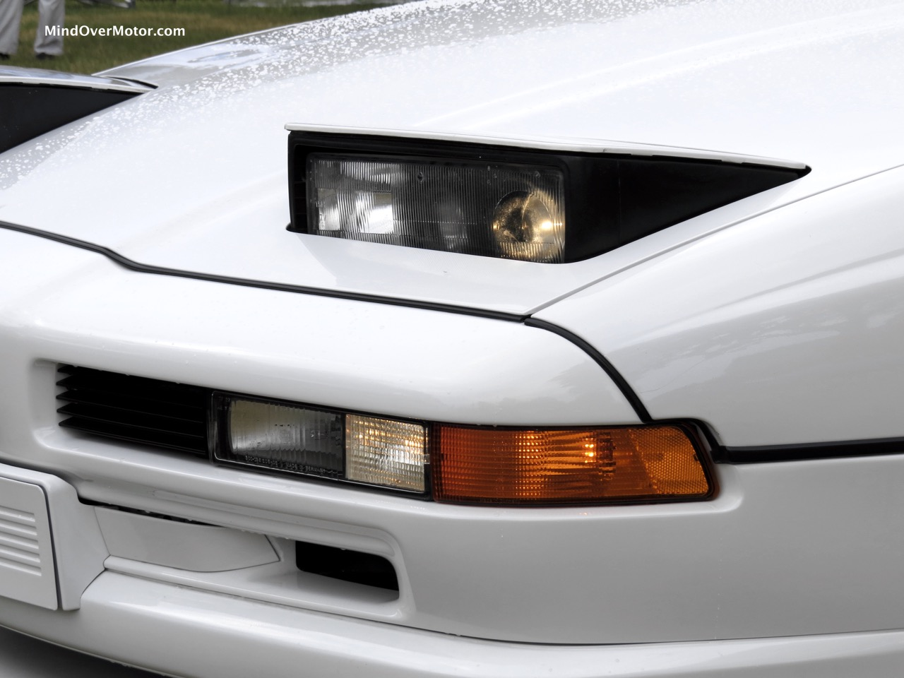 BMW 850CSi Headlight