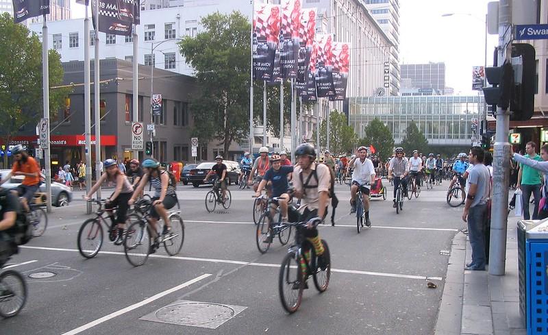 Critical Mass bike ride, Melbourne, February 2007