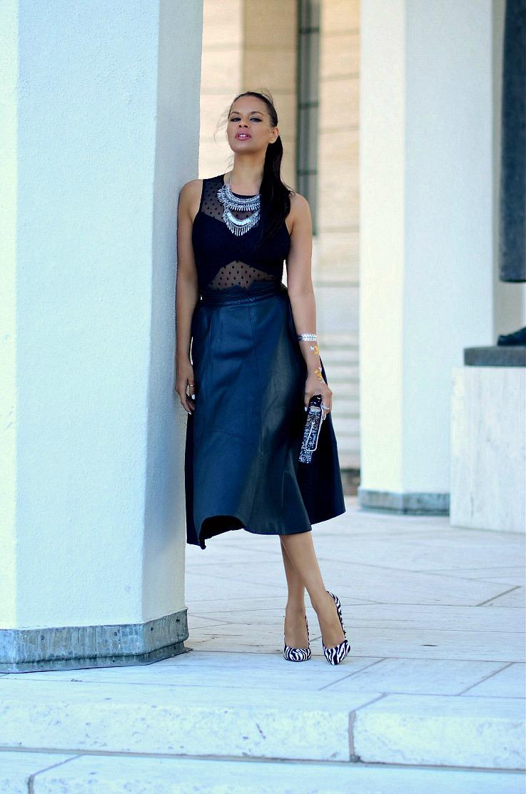 DSC_5517 Tamara Chloé, Leather Midi Skirt, Coin Necklace, Flash tatoo final,